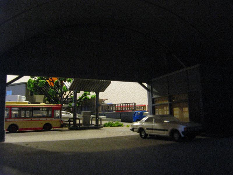 バス営業所の中から