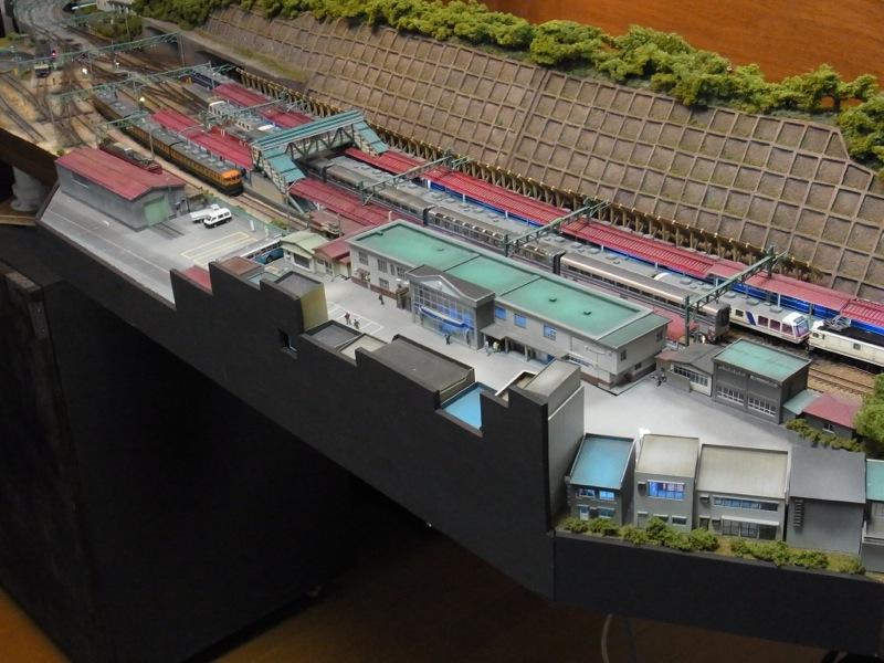 水上駅セクションの台枠を補修