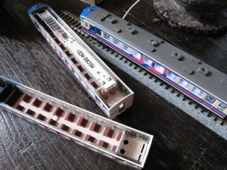 カトー165系にLED室内灯を入れる