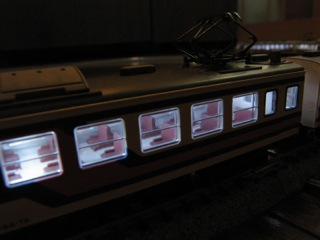 KATO 165系にマイクロエース室内灯を入れた2