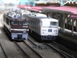 KATO EF64 1001と185系