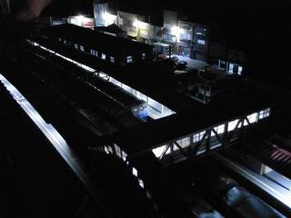 水上駅セクション 駅前の夜3