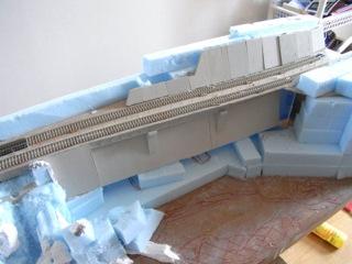 諏訪峡セクション その6 コンクリート壁 鉄橋 信号機